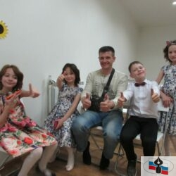 Волонтеры побывали на Пасхальном концерте в приюте